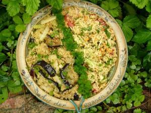 Variante: links mit Kohlrabi und Aubergine und rechts die rohe Variante mit Tomaten, Zucchini und Möhrchen